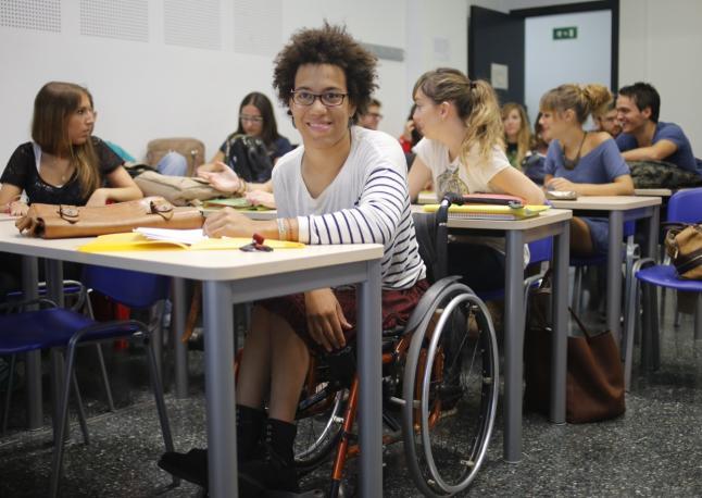 beca estudiantes discapacitados